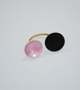 daxtulidi-gouvaki-roz metalliko-mauro