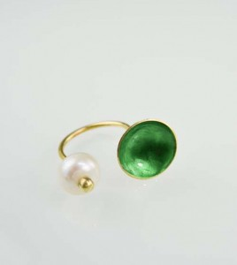 kosmhma-xeiropoihto-daxtylidi-mergaritari-minimal-smaragdi