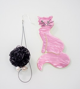 kosmhma-gata-koybari-skoylarikia-roz-metalliko
